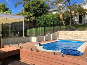 Narrabeen - aluminium pool fence with some frameless glass